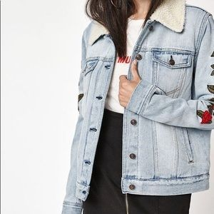 PACSUN • Embroidered Rose Sherpa Trucker Jacket